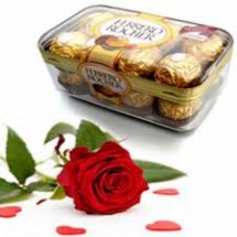 16 pieces box of Ferrero rochers with 1 Red rose