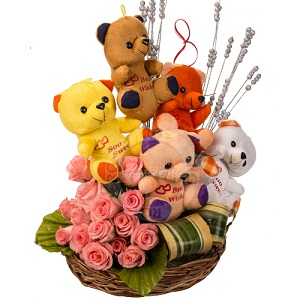 Midnight 5 teddies with 12 pink roses in same basket