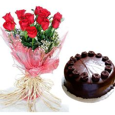 Chocolate cake 1/2 Kg with 12 Red roses