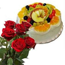 1/2 Kg Fruit Cake+ 6 red roses Bunch