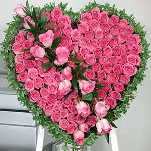 Flower Delivery International on Valentine To Chennai India Red Rose For Valentine Gift Delivery India